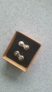 【送料無料】メンズアクセサリ― plated recycled bike chain cufflinks silver plated recycled bike chain cufflinks