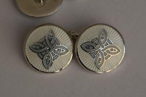 【送料無料】メンズアクセサリ― スターリングシルバーセルティックノットパターングレーエナメルカフリンクスsterling silver celtic knot pattern silve grey and white enamel cufflinks