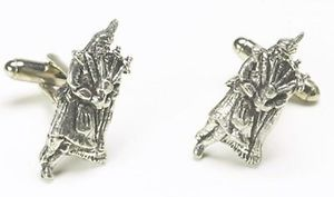 【送料無料】メンズアクセサリ― スコットランドピューターカフスボタンパイパーカフリンク scottish bagpiper pewter cufflinks piper cuff links made in the uk 9436