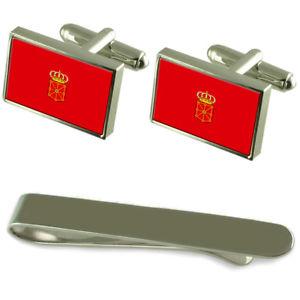 【送料無料】メンズアクセサリ― フラグシルバーカフスボタンタイクリップボックスセットnavarre flag silver cufflinks tie clip box gift set