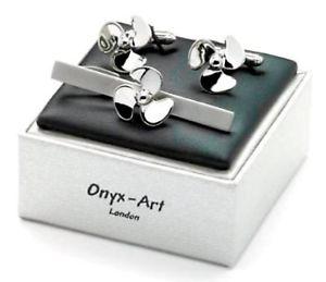 【送料無料】メンズアクセサリ― プロペラカフスリンクシマメノウロンドンセットクリップ ships propeller cufflinks tie bar clip set by onyx art london boxed