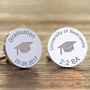 【送料無料】メンズアクセサリ― パーソナライズラウンドカフスボタンキャップラウンドカフリンクスpersonalised graduation round cufflinks cap round cufflinks gifts silver plated