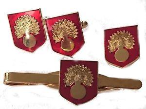 【送料無料】メンズアクセサリ― カフスリンクバッジネクタイピンセットgrenadier guards cufflinks, badge, tie clip shield gift set