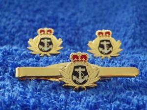 【送料無料】メンズアクセサリ― ロイヤルネイビーカフリンクタイグリップクリップセットroyal navy rn cuff link and tie grip clip gift set