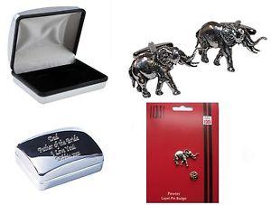 【送料無料】メンズアクセサリ― ピューターカフスボタンラペルピンバッジケースパーソナライズelephant in pewter cufflinks amp; lapel pin badge  case can engrave personalised