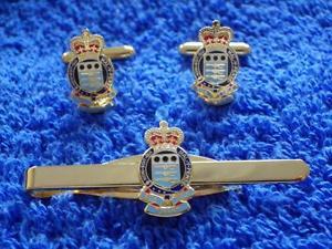 【送料無料】メンズアクセサリ― ロイヤルカフリンクタイグリップクリップセットroyal army ordnance corps raoc cuff link and tie grip clip gift set