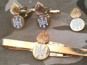 【送料無料】メンズアクセサリ― ロイヤルハイランドカフリンクスバッジネクタイクリップセットroyal highland fusiliers cufflinks, badge, tie clip gift set