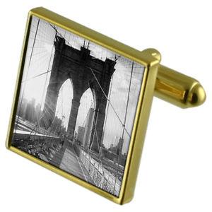 【送料無料】メンズアクセサリ― ブルックリンカフスボタンクリスタルタイクリップセットbrooklyn bridge picture goldtone cufflinks crystal tie clip gift set