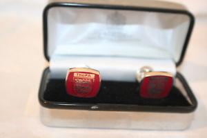 【送料無料】メンズアクセサリ― スペンサーズボックスカフリンクスsilver hallmarked fa cufflinks in original toye, kenning and spencer ltd box