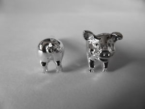 【送料無料】メンズアクセサリ― スターリングシルバーブタスイベルカフリンクスsterling silver pig swivel cufflinks uk made