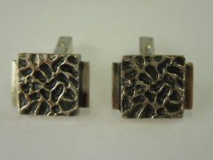 【送料無料】メンズアクセサリ― デザイナーカフスボタンシルバーカフスボタンj397 designer cufflinks modernist silver cufflinks