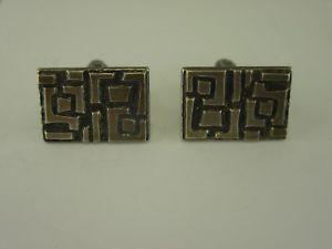 【送料無料】メンズアクセサリ― デザイナーカフスボタンシルバーカフスボタンj398 designer cufflinks modernist silver cufflinks