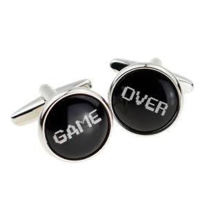 【送料無料】メンズアクセサリ― ボックスゲームゲーマーデザインカフスボタンゲームfun game over gaming gamer design cufflinks presented in a box x2boc276