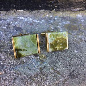 【送料無料】メンズアクセサリ― ビンテージレトロカフリンクゴールドトーンカボションvintage retro cuff links 1960's 1970's chunky gold tone green gemstone cabochon