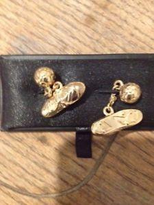 【送料無料】メンズアクセサリ― フットボールブーツカフリンクスボックスgold plated football boot cuff links, in box