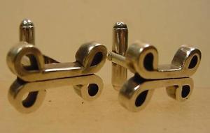 【送料無料】メンズアクセサリ― ヘント925スターリングカフスリンクfine quality gents 925 sterling silver cufflinks in dog bone design