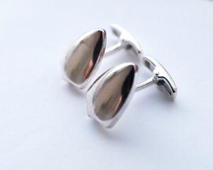 【送料無料】メンズアクセサリ― チャールズティリットシルバーシールドカフスリンクカフスリンク rrp50charles tyrwhitt silver shield cufflinks cuff links  rrp 50