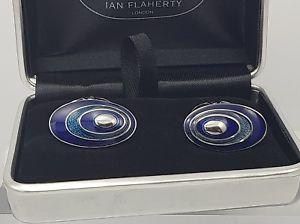 【送料無料】メンズアクセサリ― カフリンクスメンズカフスボタンメンズアクセサリhand enamelled classy tonal blue oval cufflinks,mens cufflinks,mens accessories