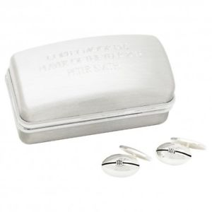 【送料無料】メンズアクセサリ― ラグビーボールカフスボタンカフリンクスボックスchainlink rugby ball cufflinks and engraved cufflinks box