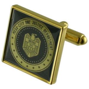 【送料無料】メンズアクセサリ― dreddバッジカフスリンクjudge dredd badge gold square cufflinks with engraved personalised case