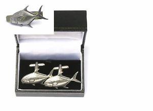 【送料無料】メンズアクセサリ― カフスボタンタイクリップバースライドセットpermit fish cufflinks amp; tie clip bar slide set fishing gift