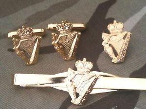 【送料無料】メンズアクセサリ― アルスターカフリンクスバッジネクタイクリップセットulster defence regiment udr cufflinks, badge, tie clip military gift set