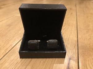 【送料無料】メンズアクセサリ― カフリンクスrare lava stone cufflinks