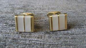 【送料無料】メンズアクセサリ― デザインゴールドパールドレスカフスボタングラムfabulous design 18ct gold amp; mother of pearl dress cufflinks 1607grammes