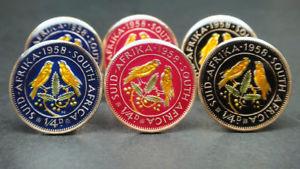 【送料無料】メンズアクセサリ― アフリカエナメルコインカフリンクスペニーケープ1958 south africa enamelled coin cufflinks 14 penny farthing cape sparrows 20mm