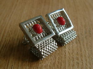 【送料無料】メンズアクセサリ― stunning red vintage wrap around mesh cufflinksstunning red vintage wrap around mesh cufflinks