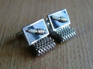 【送料無料】メンズアクセサリ― ビンテージラップアラウンドメッシュカフスボタンパークプラグvintage wraparound mesh cufflinks spark plugs