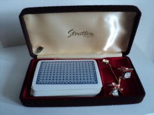 【送料無料】メンズアクセサリ― ビンテージエナメルカフリンクカードタイピンvintage stratton real enamel cuff links set amp; tie pin with playing card boxed