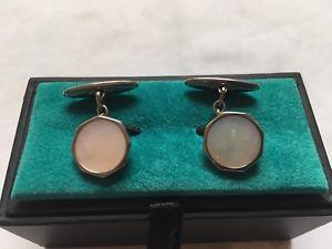 【送料無料】メンズアクセサリ― ブドウラバーンカフスリンク パールシルバーvintage signed lambournes octagonal cufflinks mother of pearl silver tone