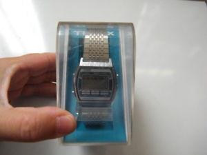 【送料無料】腕時計 ウォッチ ウォッチォーツクロノmontre watch timex avec boite neuve noticequartz chronosans pile,nm17