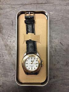 【送料無料】腕時計 ウォッチ アウディreloj de audi