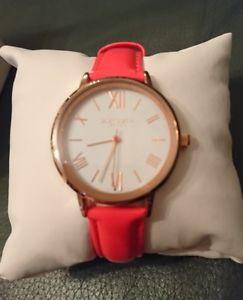 【送料無料】腕時計 ウォッチ デイジーディクソンアラームゴールドコーラルピンクnuevo y en caja hermosa daisy dixon kourtney reloj de color oro rosa coral y rrp 40