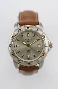 【送料無料】腕時計 ウォッチ mステンレススチールシルバーゴールドクォーツrelic reloj de hombre cuero marrn fecha 50m acero inoxidable plata oro cuarzo