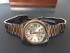 【送料無料】腕時計 ウォッチ コマンダーボックスペーパースチールmido commander 8299 day date box papeles steel amp; gold