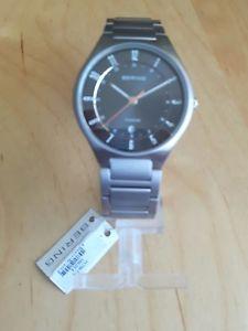 【送料無料】腕時計 ウォッチ チタンベーリングtotalmente nuevo reloj de titanio ex display bering