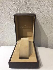 【送料無料】腕時計 ウォッチ ユニバーサルジュネーブボックスbox universal geneve 5060