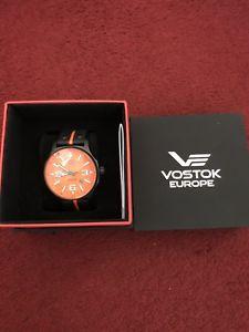 【送料無料】腕時計 ウォッチ ボストークヨーロッパクロックブラックオレンジvostok europe expedition reloj automtico negro naranja