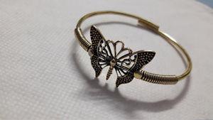 【送料無料】ブレスレット アクセサリ― ブレスレットsolid yellow brass beautiful butterfly flexible adjustable comfortable bracelet