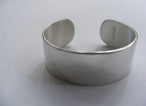 【送料無料】ブレスレット アクセサリ― レディースピューターカフブレスレットワイドマットladies pewter cuff bracelet engravable 6 long by 58 wide matte finish