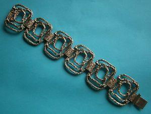 【送料無料】ブレスレット アクセサリ― ビンテージシルバートーンモダニストブレスレットエンボスa807 a vintage filigree silver tone embossed abstract modernist bracelet