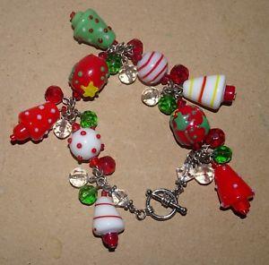 【送料無料】ブレスレット アクセサリ― ガラスクリスマスツリービーズトグルブレスレットglass charm~christmas trees beaded toggle bracelet