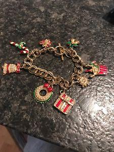 【送料無料】ブレスレット アクセサリ― ビンテージクリスマスクリスマスラインストーンエナメルブレスレットvintage christmas xmas rhinestone enamel amp; gold plated charms bracelet