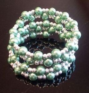 【送料無料】ブレスレット アクセサリ― ハンドメイドグリーンガラスパールカフシルバービーズラップブレスレットhandmade medium green glass pearl wrap cuff bracelet with silver beads