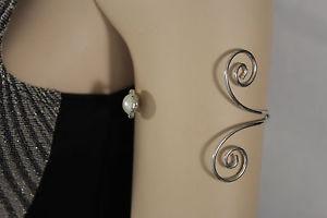 【送料無料】ブレスレット アクセサリ― カフブレスレットファッションレトロアッパアームラップwomen high cuff bracelet fashion silver metal wrap around swirld retro upper arm