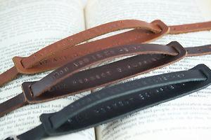 【送料無料】ブレスレット アクセサリ― カップルブレスレットメンズストラップシンプルスナップブレスレット2x couple bracelet mens genuine leather straps simple snaps bracelets engraved