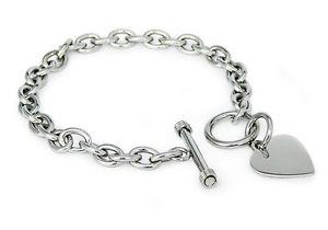 【送料無料】ブレスレット アクセサリ― ステンレススチールタグトグルブレスレットstainless steel engravable heart charm tag toggle bracelet 75